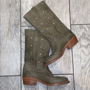 FRYE women's leather sage green boots size 8M
